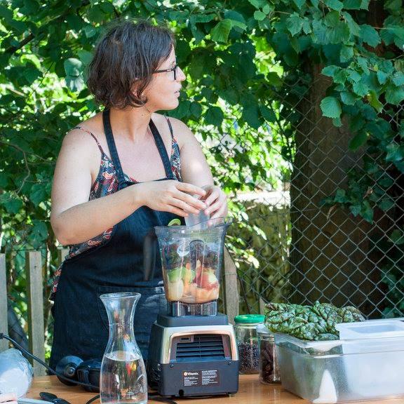 Loetitia Monge en démonstration culinaire